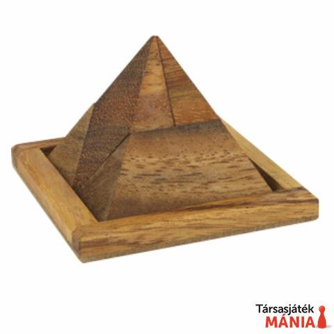 RG Louvre piramis fa ördöglakat